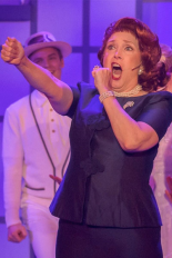 Lois Leftwich in Catch Me If You Can